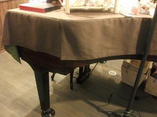 ピアノカバー.jpg